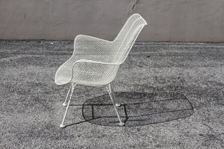 Russell Woodard Mid-Century Modern White Mesh Sculptura High Back Lounge Chair  For Sale 7
