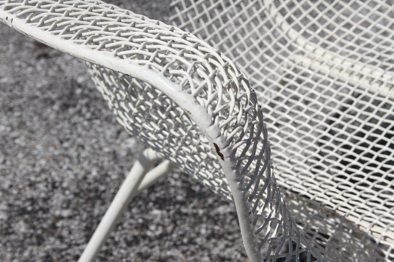 Iron Russell Woodard Mid-Century Modern White Mesh Sculptura High Back Lounge Chair  For Sale