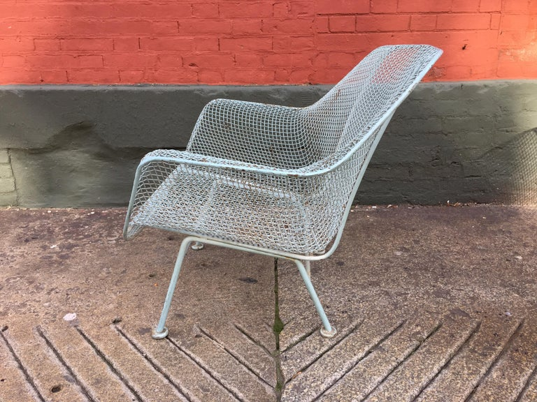 Russell Woodard Pair of Iron Lounge Chairs In Good Condition For Sale In Philadelphia, PA