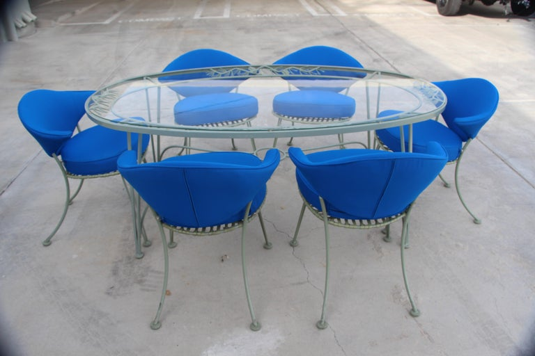 Russell Woodard Rare Set of 6 Klismos Chairs and Pinecrest Table In Good Condition For Sale In Palm Springs, CA