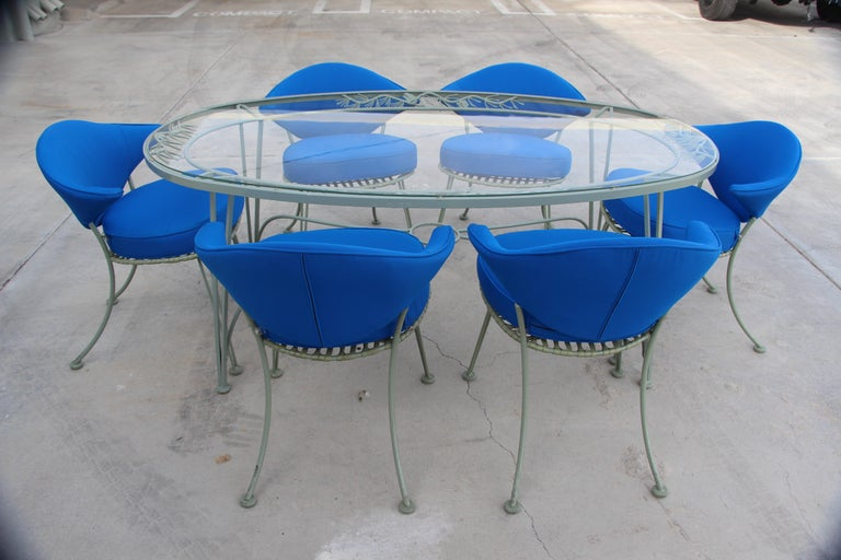 Mid-20th Century Russell Woodard Rare Set of 6 Klismos Chairs and Pinecrest Table For Sale