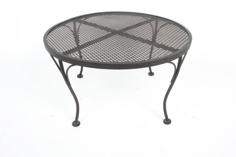 Russell Woodard Round Black Wrought Iron & Mesh Patio Coffee of Side Table For Sale 4