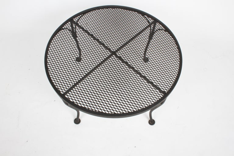 American Russell Woodard Round Black Wrought Iron & Mesh Patio Coffee of Side Table For Sale