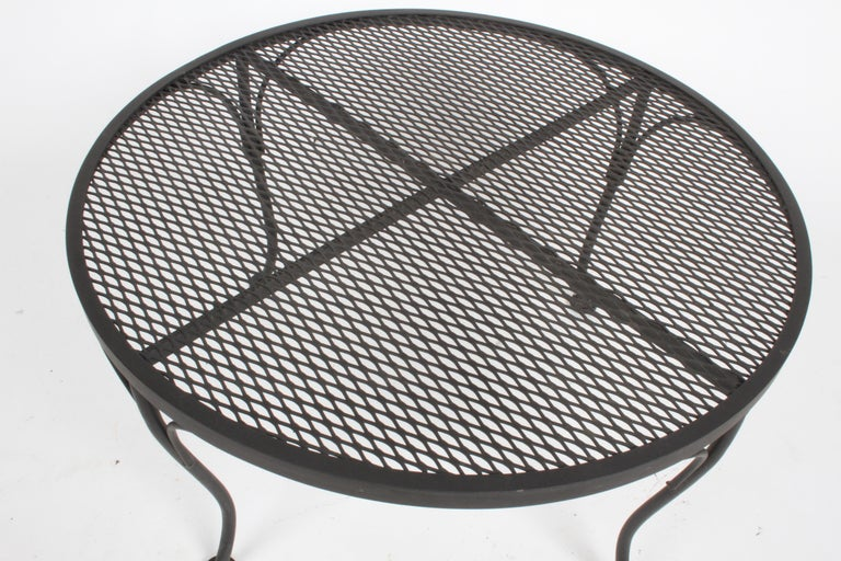 Russell Woodard Round Black Wrought Iron & Mesh Patio Coffee of Side Table For Sale 1