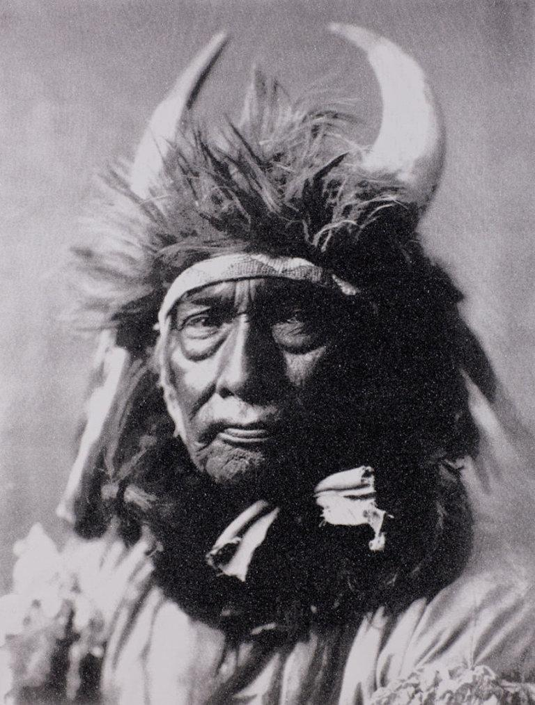 Bull Chief Apsaroke, Black & White