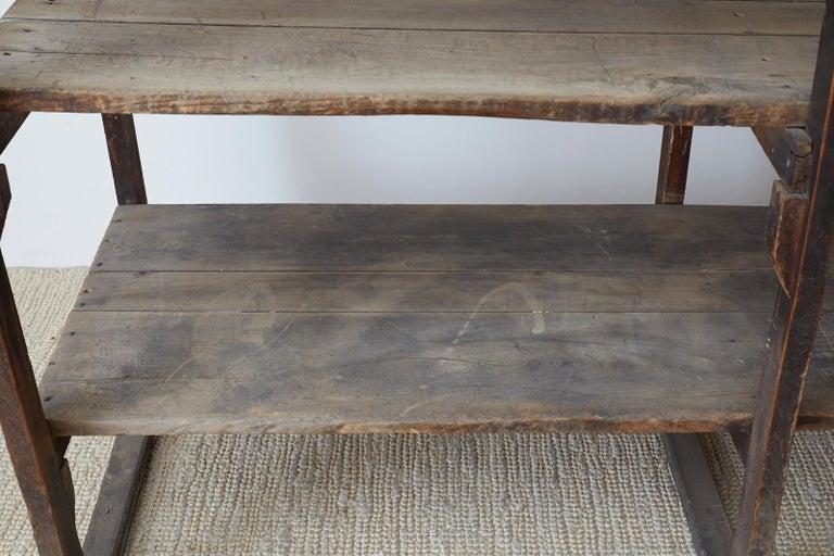 Rustic Barnwood Pine Three Shelf Display Étagère For Sale 10
