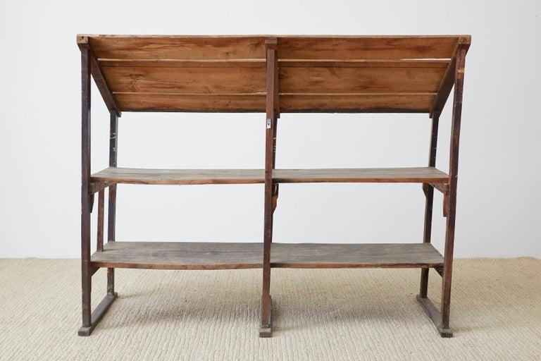 Rustic Barnwood Pine Three Shelf Display Étagère For Sale 13