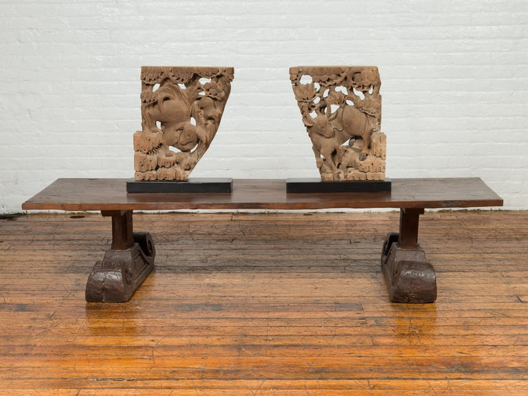 Rustic Chinese 19th Century Elm Coffee Table with Large Scrolling Feet In Good Condition For Sale In Yonkers, NY