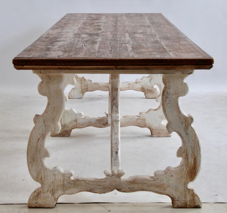 Country House Dining Table From Tuscany, Italy In Good Condition For Sale In London, GB