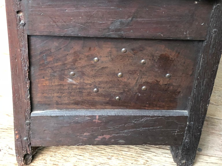 Rustic French Storage Bench In Good Condition For Sale In Doylestown, PA