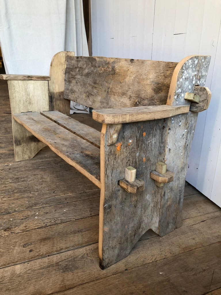 Rustic Scottish Style Garden Bench In Good Condition For Sale In Doylestown, PA