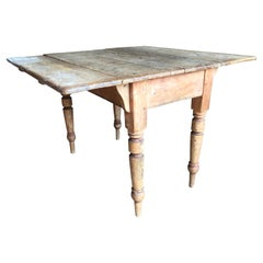 Rustic Scrubbed Pine Drop-Leaf Table, 19th C