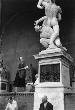 Jinx staring, Florence