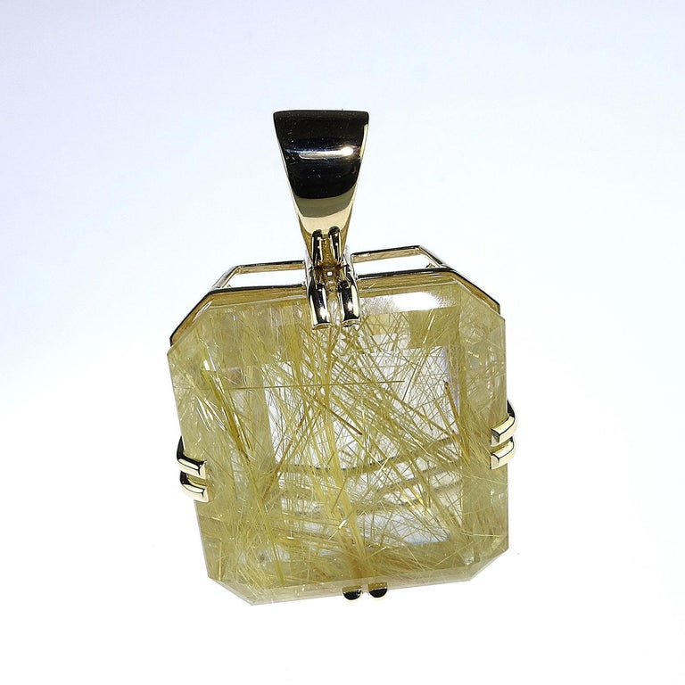 Rutilated Quartz in Yellow Gold Pendant For Sale 2