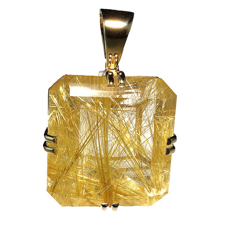 Rutilated Quartz in Yellow Gold Pendant For Sale