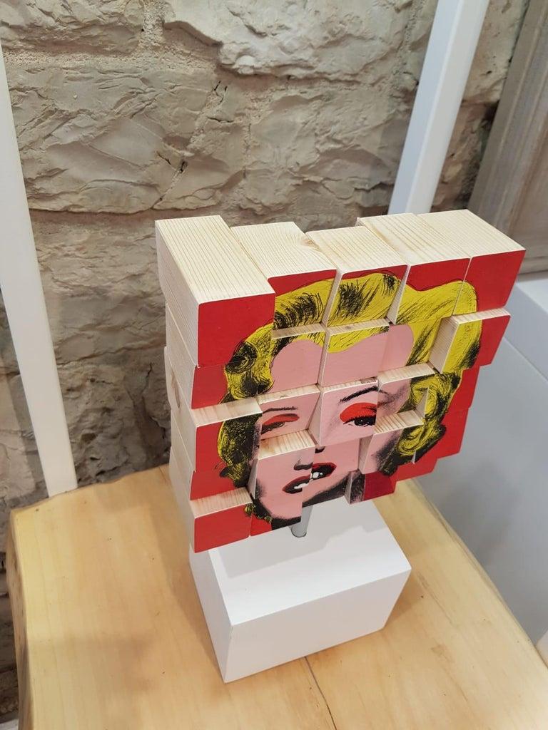 Marylin - Sculpture by Rux Art
