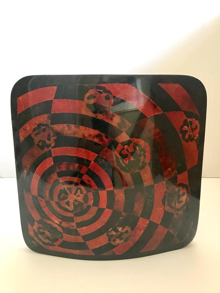 Organic Modern R&Y Augousti Geometric Pen-Shell Vase with Mosaic Inlays For Sale