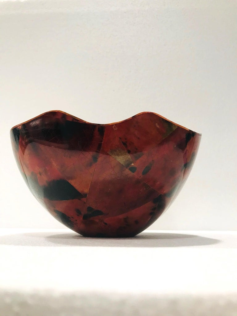 R&Y Augousti Organic Pen-Shell Bowl with Mosaic Inlays in Red & Black circa 2000 For Sale 2