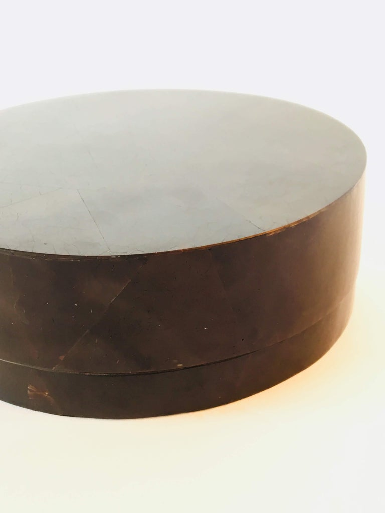 Contemporary R&Y Augousti Round Pen Shell Box For Sale
