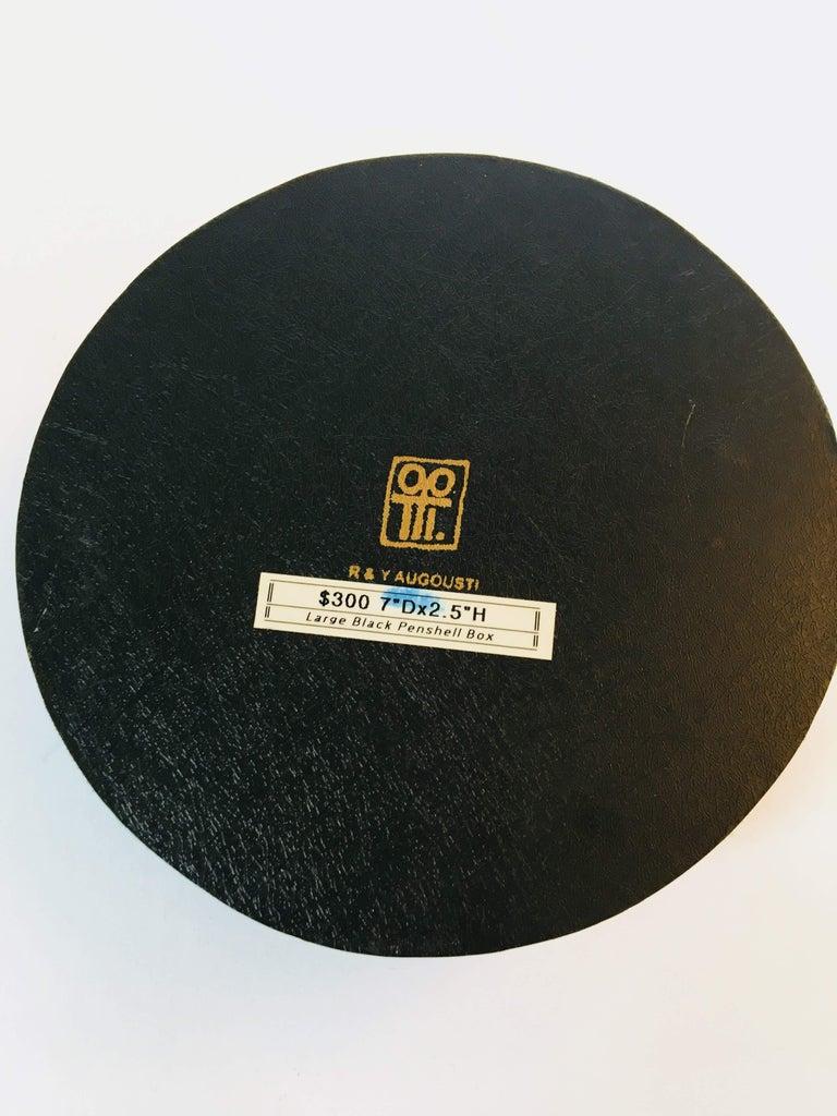 R&Y Augousti Round Pen Shell Box For Sale 4