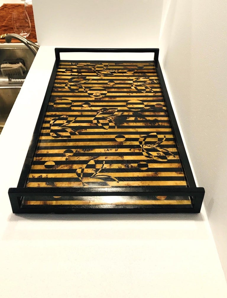 Contemporary R&Y Augousti Vintage Mosaic Tray in Black and Tortoise Pen-Shell, circa 2000 For Sale