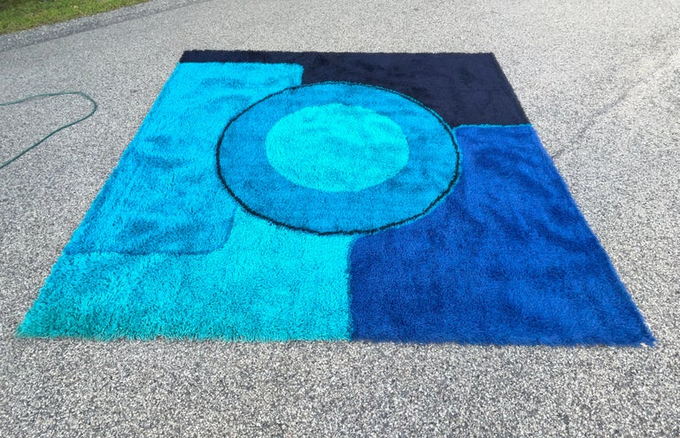 Scandinavian Modern Rya Dania Taepper Abstract Bullseye in Blues Square For Sale