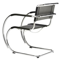 S 533 Cantilever Leather Armchair Designed by Ludwig Mies van der Rohe