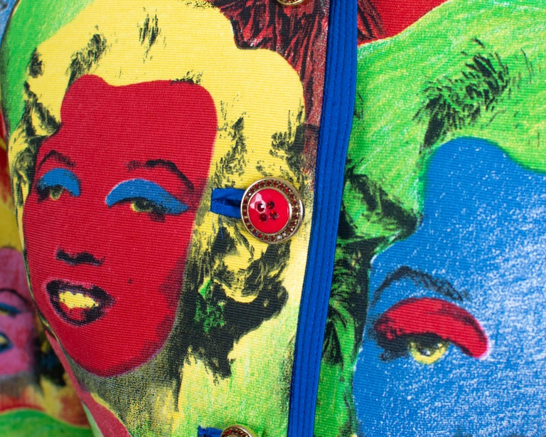 S/S 1991 Gianni Versace Marilyn Monroe Warhol Inspired Print Pop Art Skirt Suit In Good Condition For Sale In Philadelphia, PA