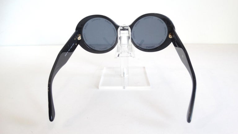S/S 1993 Chanel Paris Circle Sunglasses In Good Condition For Sale In Scottsdale, AZ
