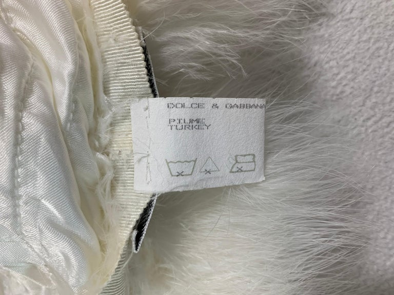 S/S 1995 Dolce & Gabbana Runway White Feather Cropped Jacket & Hat For Sale 2