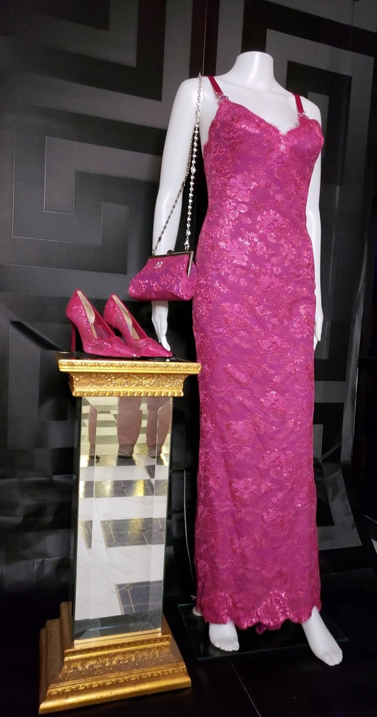 Women's S/S 1996 ICONIC VINTAGE VERSACE ATELIER PINK LACE GOWN as seen in MET MUSEUM For Sale