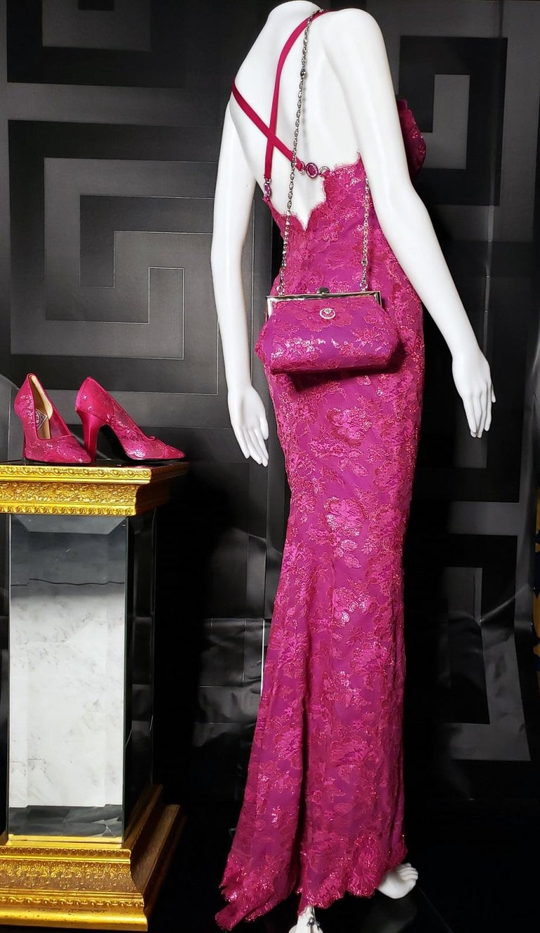 S/S 1996 ICONIC VINTAGE VERSACE ATELIER PINK LACE GOWN as seen in MET MUSEUM For Sale 2