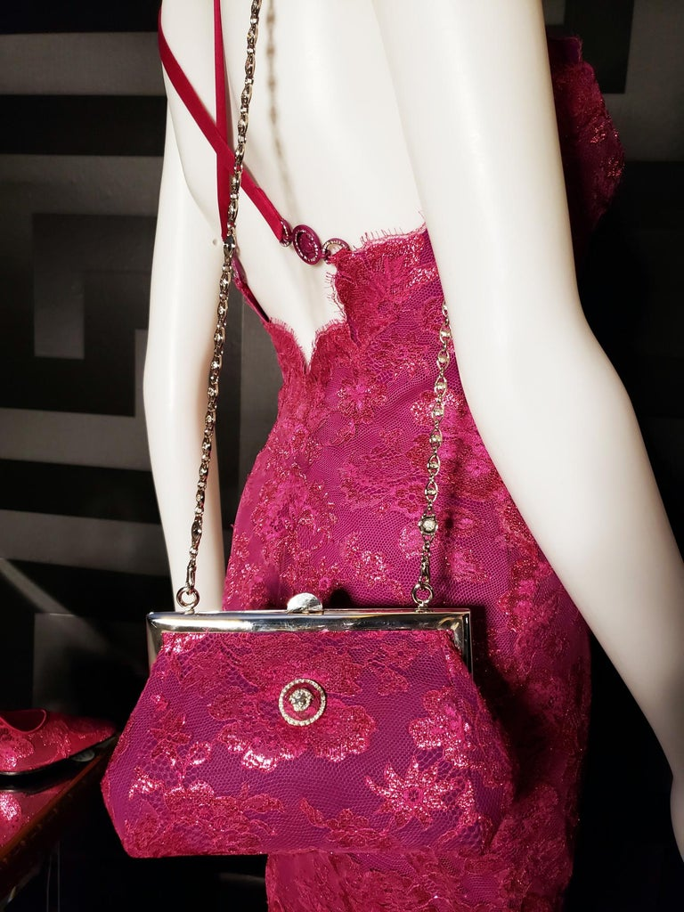 S/S 1996 ICONIC VINTAGE VERSACE ATELIER PINK LACE GOWN as seen in MET MUSEUM For Sale 3