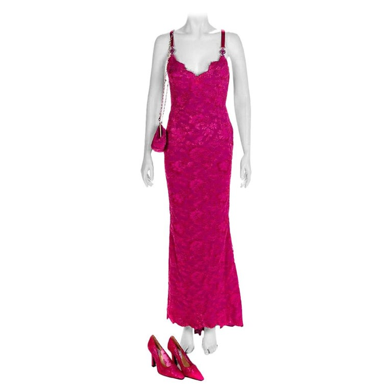 S/S 1996 ICONIC VINTAGE VERSACE ATELIER PINK LACE GOWN as seen in MET MUSEUM For Sale