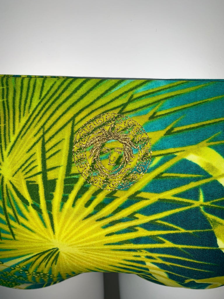 S/S 2000 Gianni Versace Runway Famous Tropical Palm Print Ultra Low Bikini In Excellent Condition For Sale In Yukon, OK