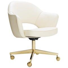 Saarinen Executive Armchair in Creme Leather, Swivel Base, 24-Karat Gold Edition