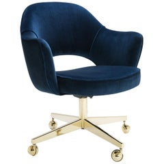Saarinen Executive Armchair in Navy Velvet, Swivel Base, 24-Karat Gold Edition
