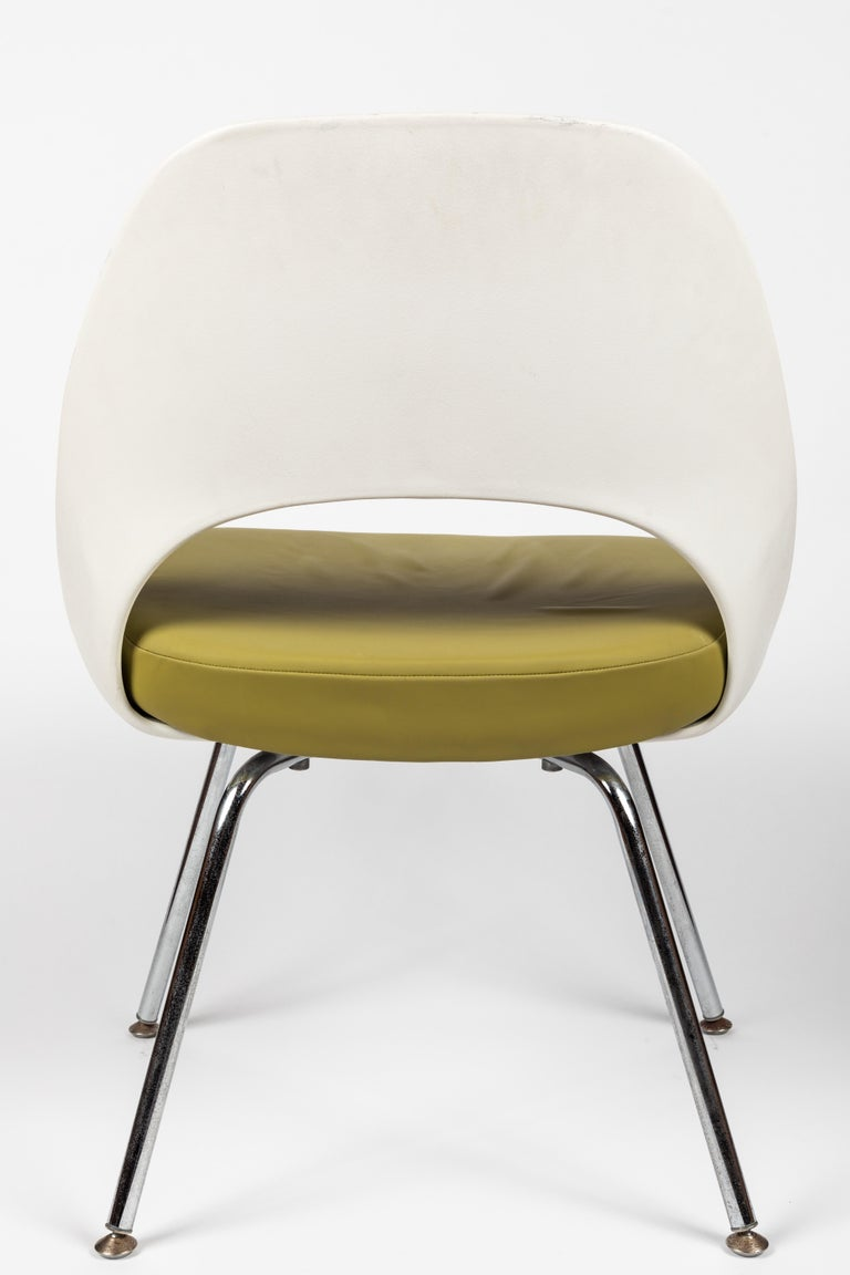 Saarinen Executive Side Chair with Metal Legs for Knoll In Good Condition For Sale In Glendale, CA