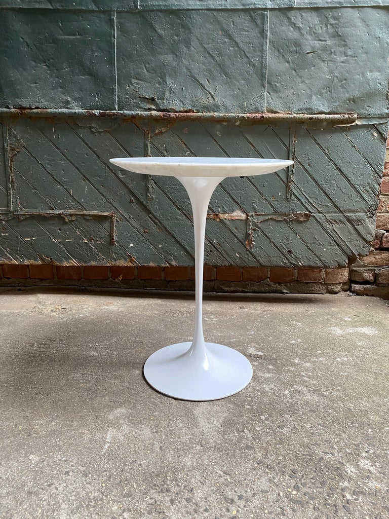 American Saarinen for Knoll Ovoid Marble Tulip Base End Table For Sale