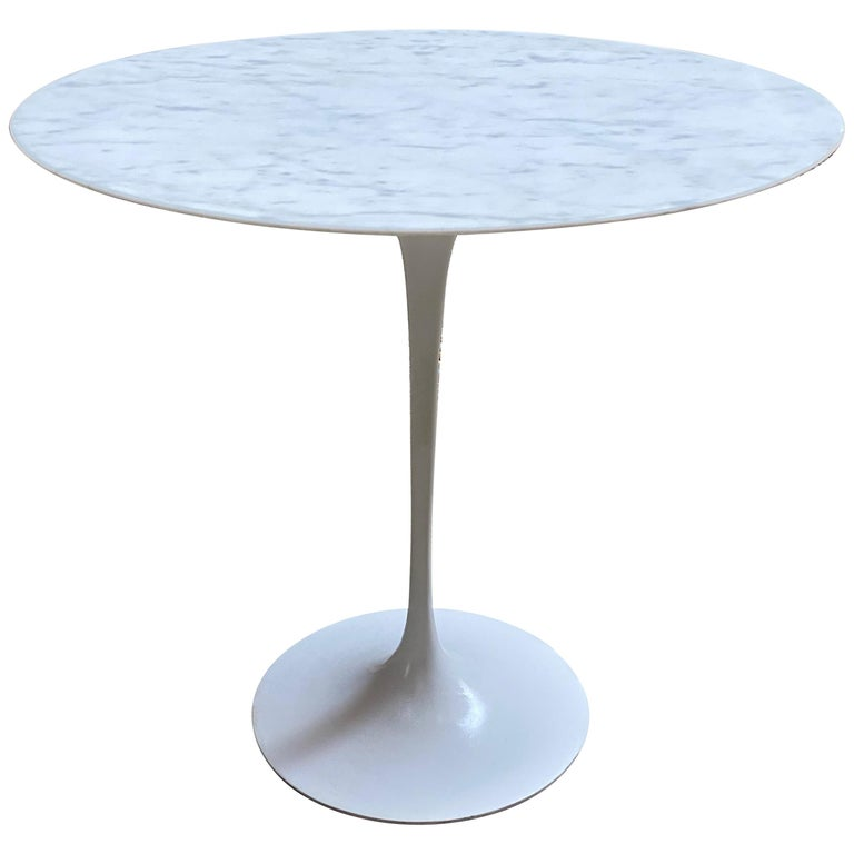 Saarinen for Knoll Ovoid Marble Tulip Base End Table For Sale
