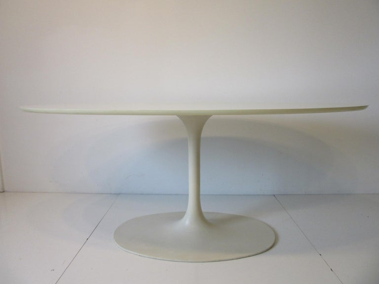 Saarinen Styled Tulip Based Table Desk by Maurice Burke for Burke International For Sale 1