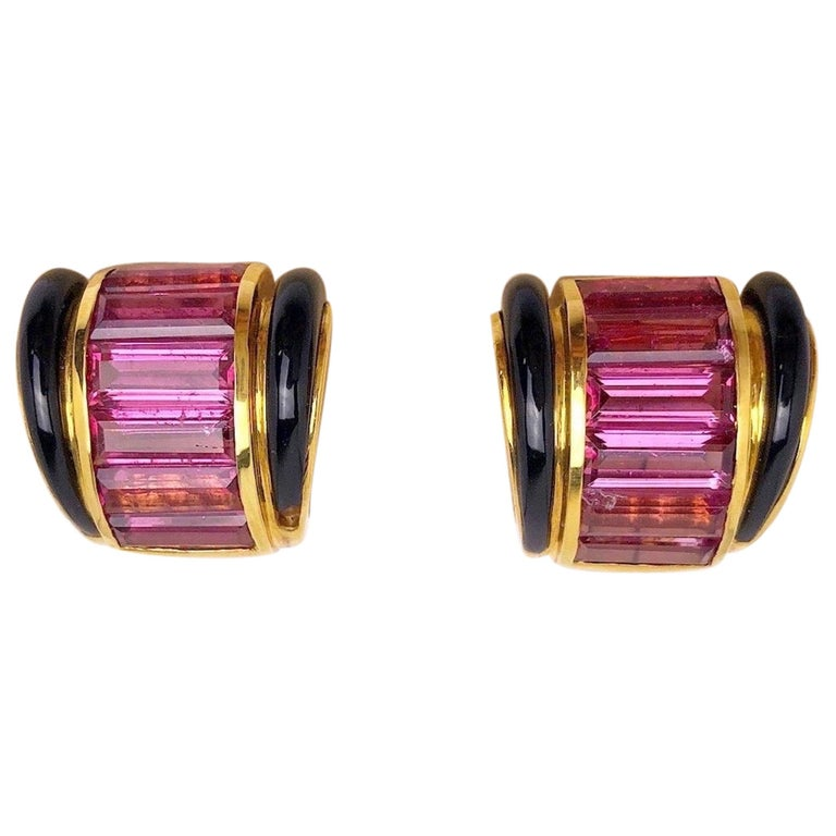 Sabbadini 18 Karat Yellow Gold Earrings with Pink Tourmaline and Black Onyx For Sale