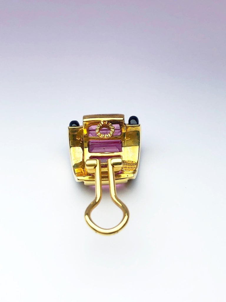 Women's or Men's Sabbadini 18 Karat Yellow Gold Earrings with Pink Tourmaline and Black Onyx For Sale