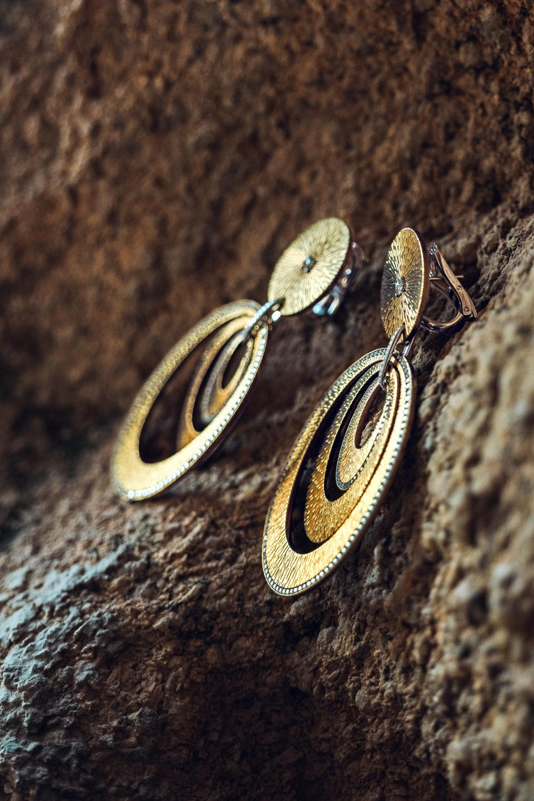 Sabbadini Contemporary Titanium, Gold and Diamond Earrings In New Condition For Sale In Milan, IT
