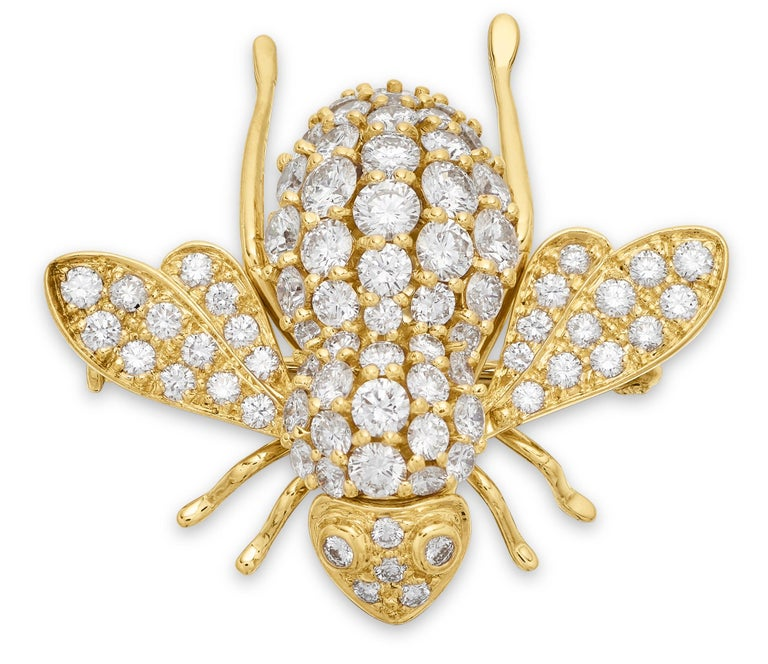 Diamond set bee brooch by Sabbadini Italian designer. Beautifully design bee brooch set with round brilliant cut dazzling diamonds. New retail price £13,500 Diamonds approximate total weight 2.90 carats, assessed colour G/H, assessed clarity VS