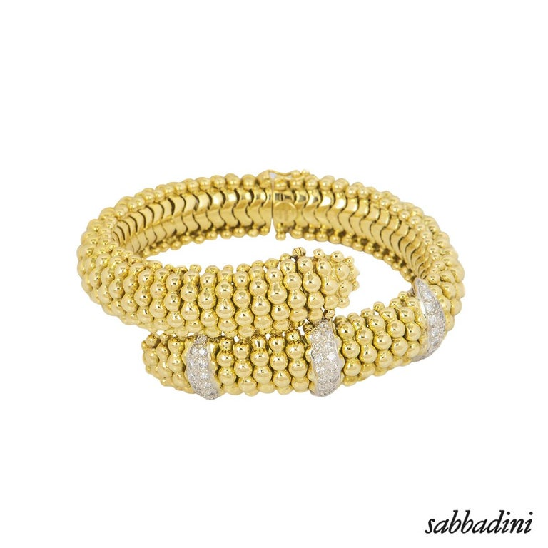 Sabbadini Yellow Gold Diamond Necklace, Earrings and Bracelet Suite In Excellent Condition For Sale In London, GB