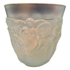 Sabino Opalescent Glass Abundance Vase