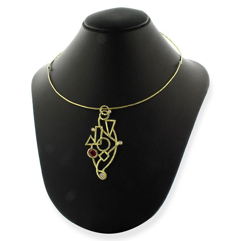 Contemporary Sacchi 0.64 Carat Ruby and Diamond Gemstones 18 Karat Yellow Gold Wire Necklace For Sale