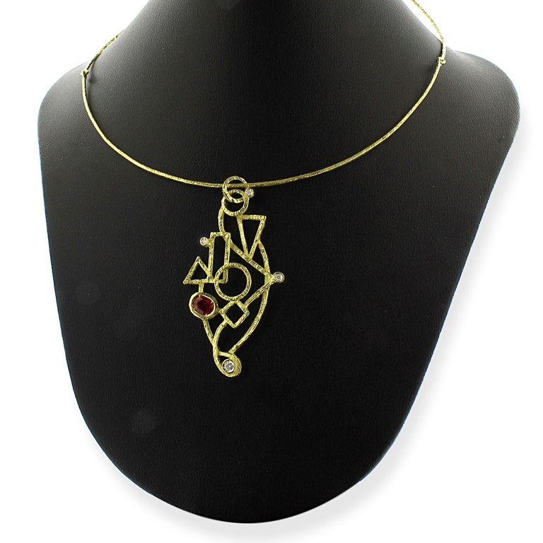 Round Cut Sacchi 0.64 Carat Ruby and Diamond Gemstones 18 Karat Yellow Gold Wire Necklace For Sale