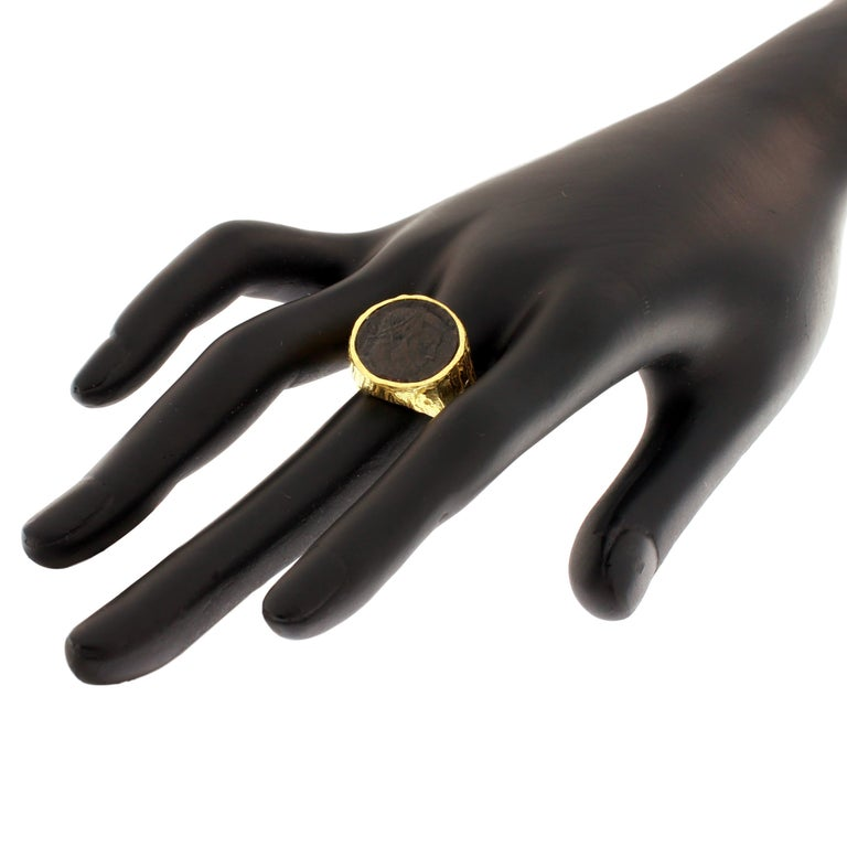 Women's or Men's Sacchi Ancient Roman Coin Ring 18 Karat Yellow Gold Monete Signet Ring For Sale